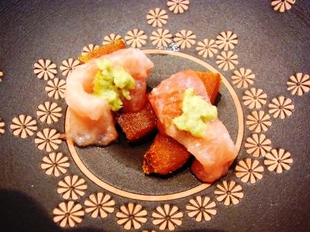 四谷・寿司 三谷でいただくサプライズ「黄金いくらとキャビア添え」_a0138976_18145273.jpg