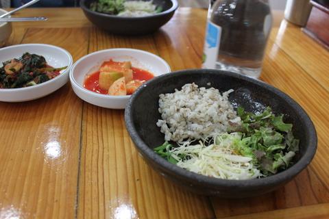 「スジェビ」っておいしい!ソウルのタコの海鮮スジェビ屋さん。_a0223786_16402347.jpg
