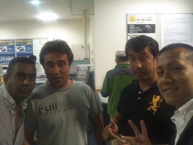 ドバイでお世話になったサムさんと中田さんとマイブラザーのニックと(^^)_b0127002_14581291.jpg