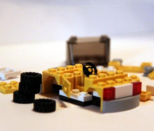 レゴ・ストア、ニューヨーク店限定の自由の女神様とイエローキャブはこんな感じ_b0007805_10405436.jpg