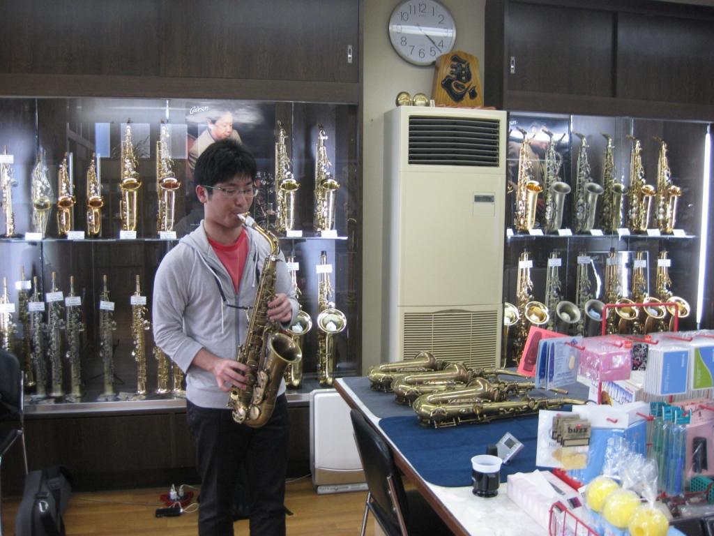 新しい楽器_b0094826_18372117.jpg