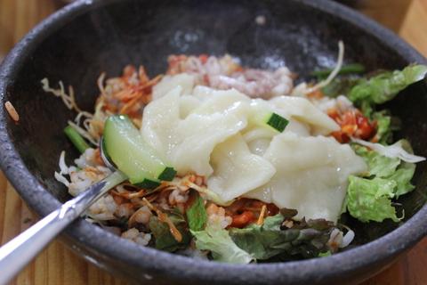 「スジェビ」っておいしい!ソウルのタコの海鮮スジェビ屋さん。_a0223786_15101530.jpg