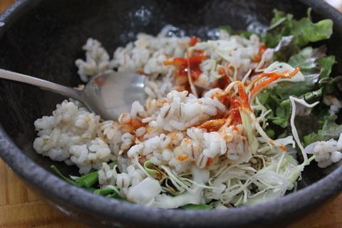 「スジェビ」っておいしい!ソウルのタコの海鮮スジェビ屋さん。_a0223786_1574846.jpg
