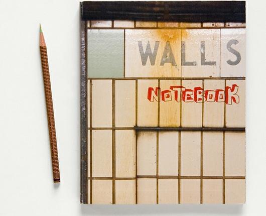 ニューヨークの壁に好きなだけ落書きができる本 Walls Notebook_b0007805_2359343.jpg