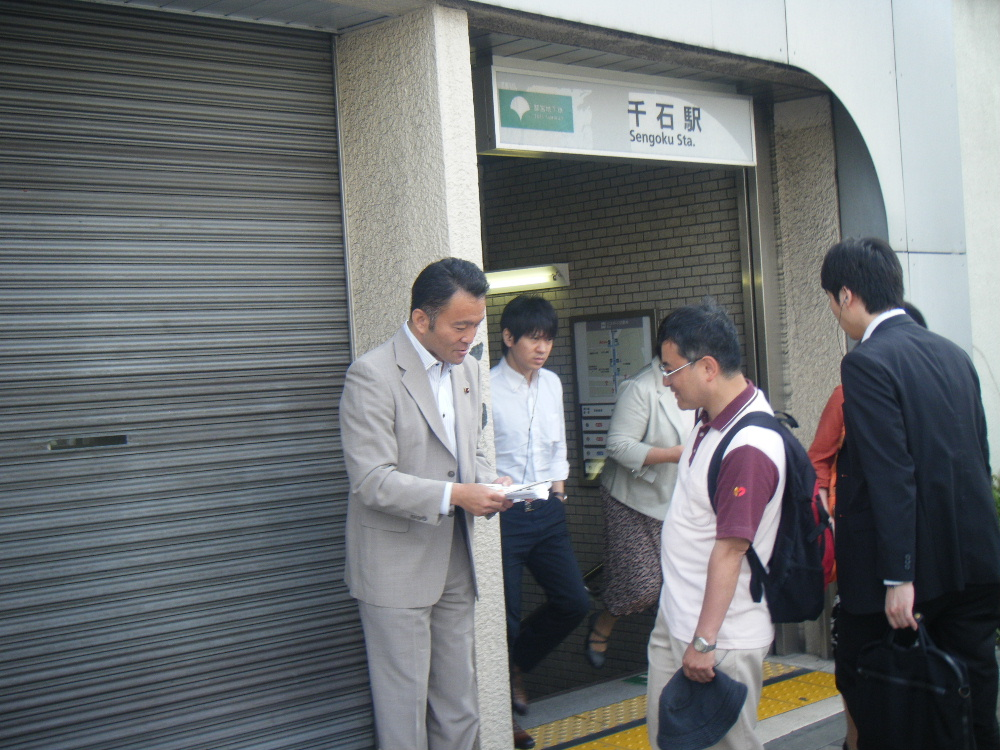 5月30日(水) 続く駅頭(千石駅より)_e0093518_10291795.jpg