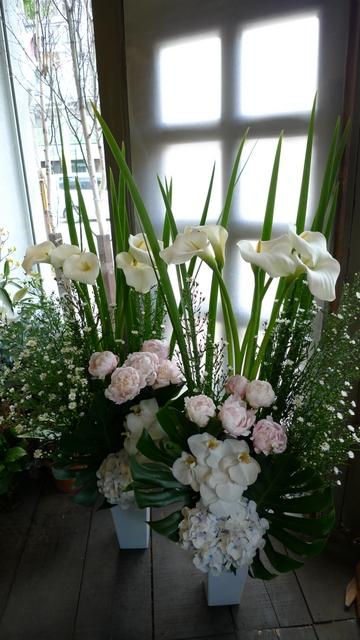 ご葬儀 対のアレンジメント_b0171193_22333332.jpg