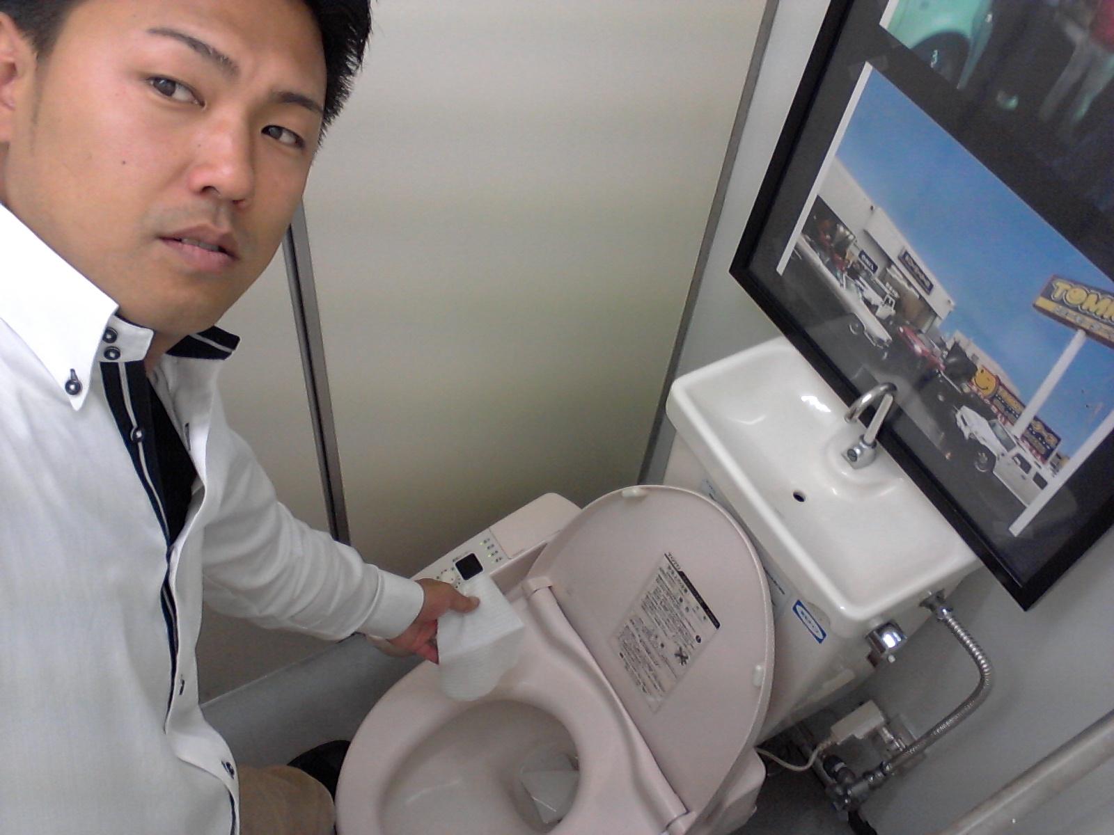 ランクル TOMMY札幌店☆6月1日!!_b0127002_21485647.jpg