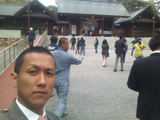 ランクルトミー札幌店(^o^)月初神宮参拝ミーティング!_b0127002_9295217.jpg