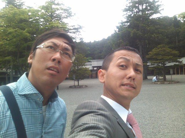 ランクルトミー札幌店(^o^)月初神宮参拝ミーティング!_b0127002_9295292.jpg