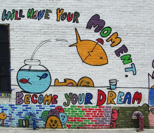 ニューヨークの壁に好きなだけ落書きができる本 Walls Notebook_b0007805_011365.jpg