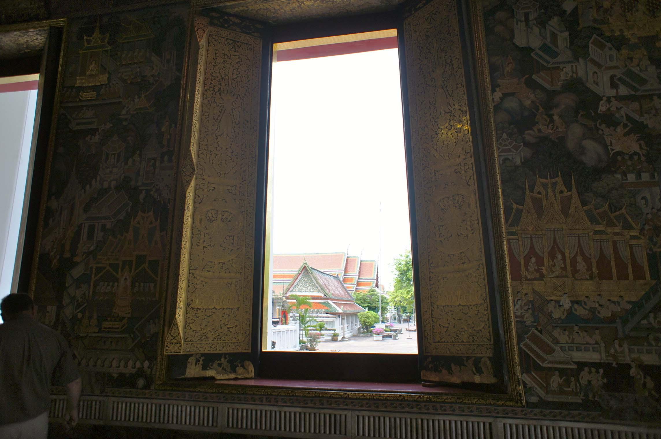 バンコクの窓_e0175918_3102691.jpg