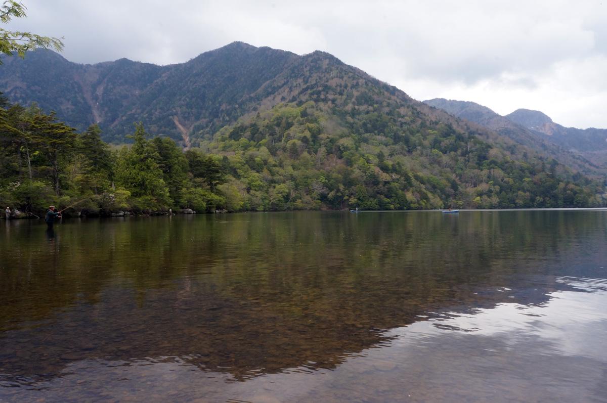 湯ノ湖でガッ釣り_c0095801_10494194.jpg