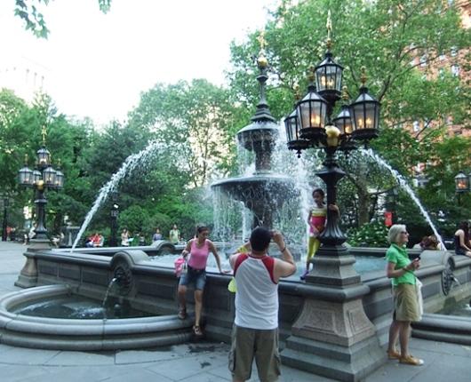 夏のニューヨークのパブリック・アート展、Common Ground_b0007805_1113552.jpg