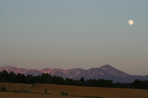 大雪山連邦とお月様。_f0096216_2164016.jpg