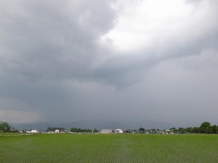 天気予報と空の下_a0014840_19453514.jpg