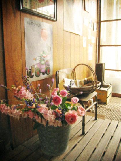 庭中の花を大きな花束にして…_d0077603_11472615.jpg