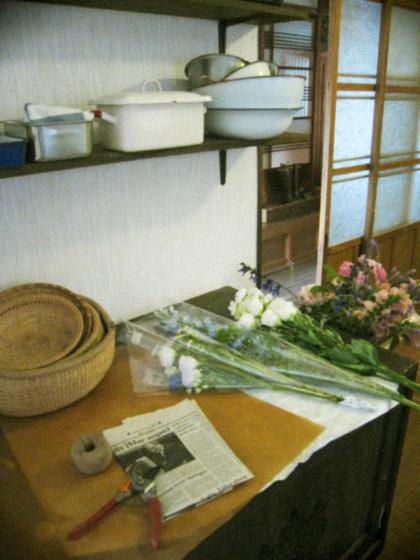 庭中の花を大きな花束にして…_d0077603_11474098.jpg