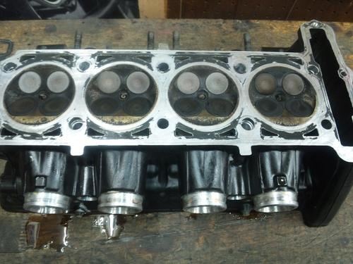 GPZ900R エンジンオーバーホルですなっ。その2_a0163159_23401127.jpg