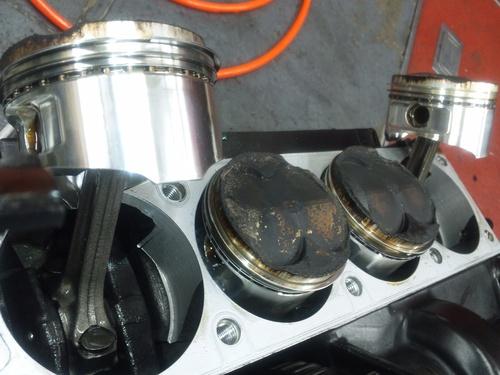 GPZ900R エンジンオーバーホルですなっ。その2_a0163159_2341258.jpg