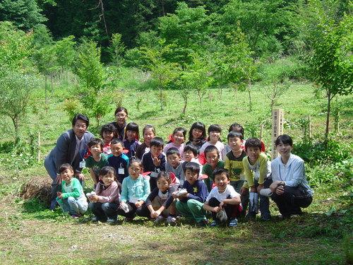 小学校入学記念植樹祭をしました!_c0238069_13195073.jpg