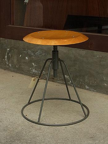 working stool_c0139773_18224267.jpg