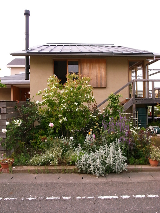 Nさんのいえ(2008) お庭がいい感じ 2012/6/2_a0039934_17332482.jpg