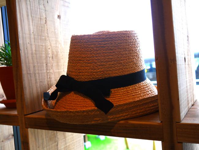 帽子が再入荷しています♪_d0237564_16375835.jpg