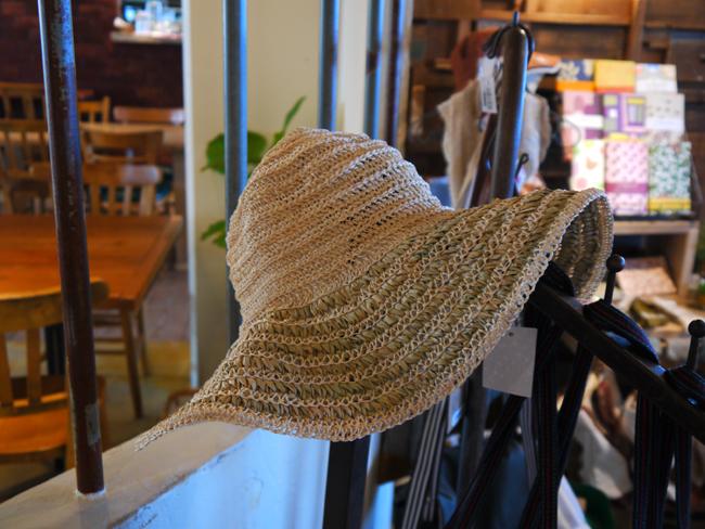 帽子が再入荷しています♪_d0237564_1638451.jpg
