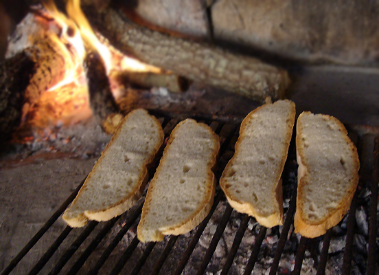チヴィタ・ディ・バニョレージョ 2. チヴィタ流 美味しいブルスケッタを召し上がれ♪_f0205783_1757252.jpg