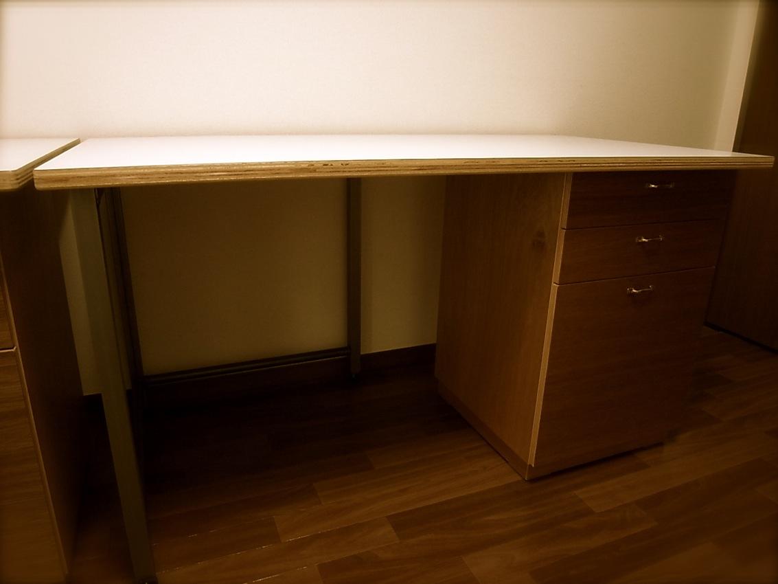 Family Desk..._e0162155_948561.jpg