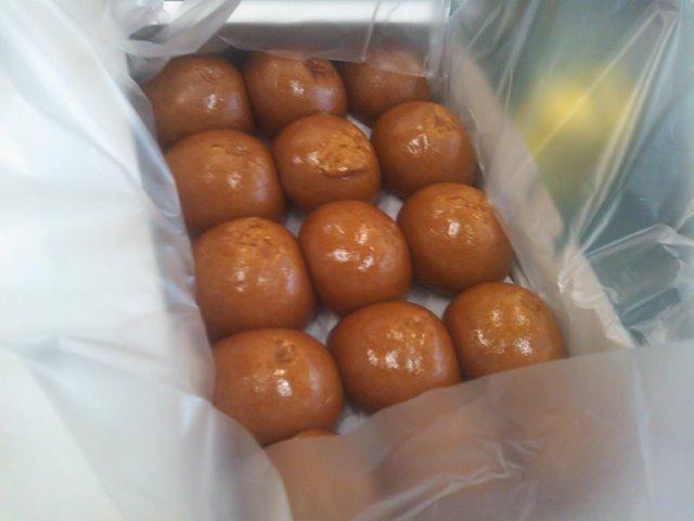 ランクルトミー札幌店(^o^) みくちゃんにお饅頭頂きました!_b0127002_1842241.jpg