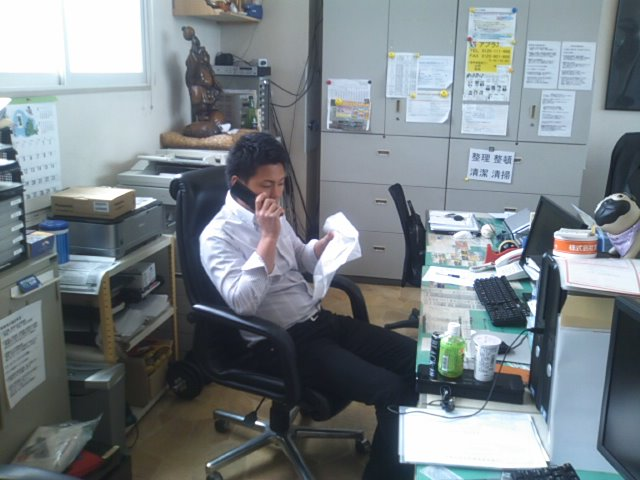 ランクルトミー札幌店(^o^)開店準備中!_b0127002_947025.jpg