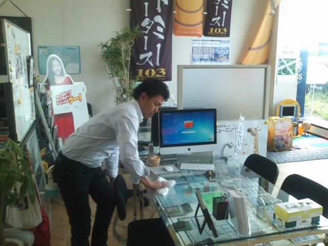 ランクルトミー札幌店(^o^)開店準備中!_b0127002_947026.jpg