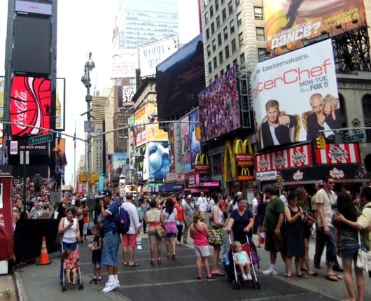 ニューヨークのブロードウェイ・ミュージカルの興行成績が史上最高記録を更新!!!_b0007805_9293687.jpg