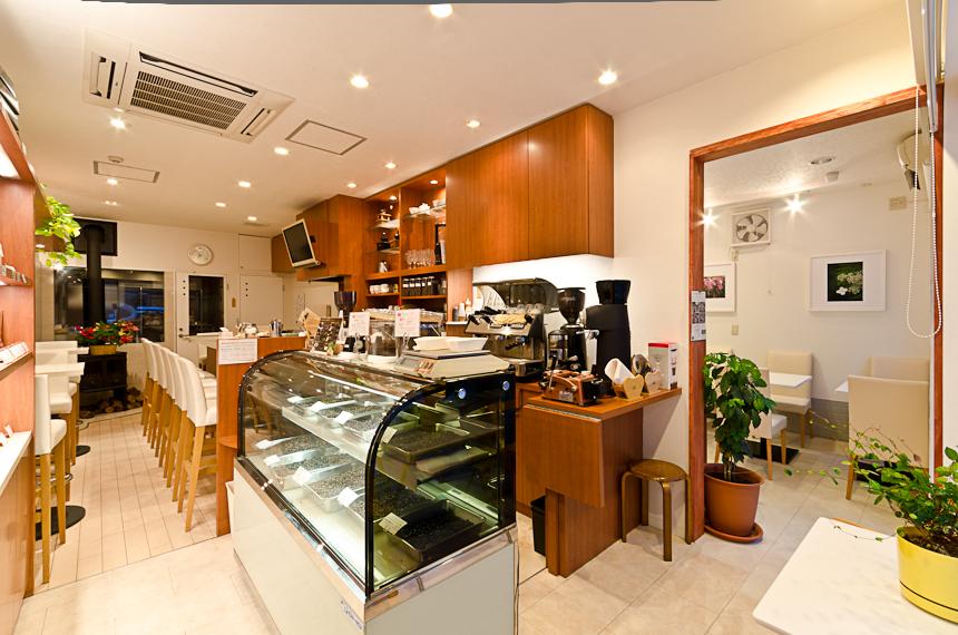 コーヒーカラーズ青森新町八甲通り店リニューアルです!_a0143042_1324478.jpg