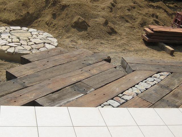 「金剛の庭」完成です!_a0233896_23515832.jpg