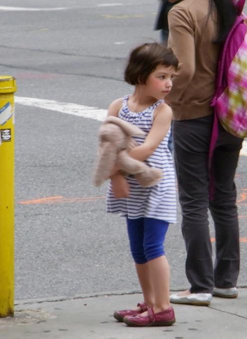 ニューヨークではお人形さんやぬいぐるみを抱っこした子ども達をよく見かけます_b0007805_20964.jpg