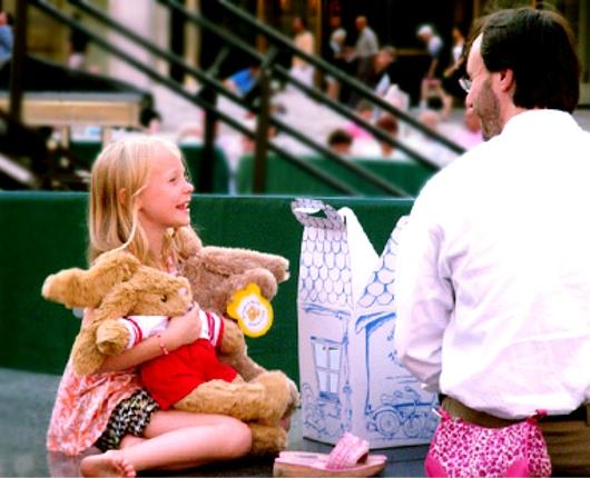 ニューヨークではお人形さんやぬいぐるみを抱っこした子ども達をよく見かけます_b0007805_313280.jpg