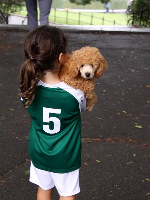 ニューヨークではお人形さんやぬいぐるみを抱っこした子ども達をよく見かけます_b0007805_342093.jpg
