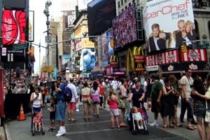 ニューヨークではお人形さんやぬいぐるみを抱っこした子ども達をよく見かけます_b0007805_751783.jpg