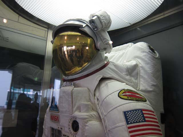 宇宙兄弟1/10 ムッタ&アポEVAセット制作開始とJAXA筑波宇宙センター取材レポートその3_c0166765_23464345.jpg