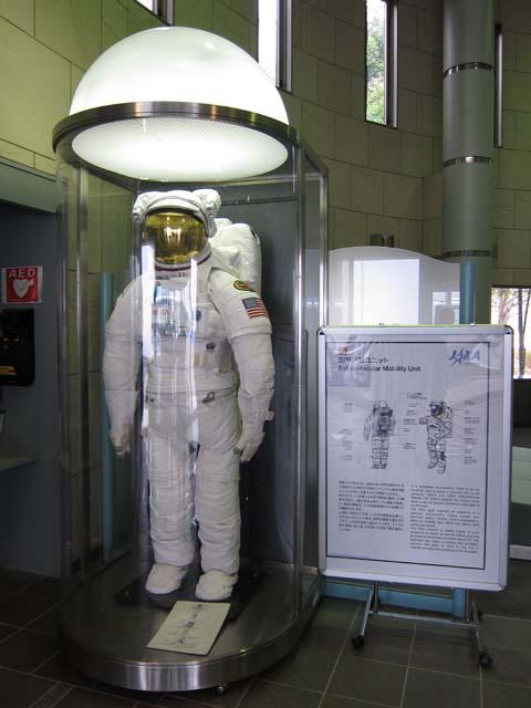 宇宙兄弟1/10 ムッタ&アポEVAセット制作開始とJAXA筑波宇宙センター取材レポートその3_c0166765_23471519.jpg