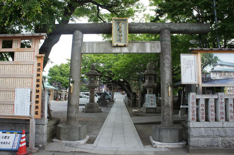 浦安・豊受神社 神前燈籠改修工事  2012.5.30~31_e0223769_1635124.jpg