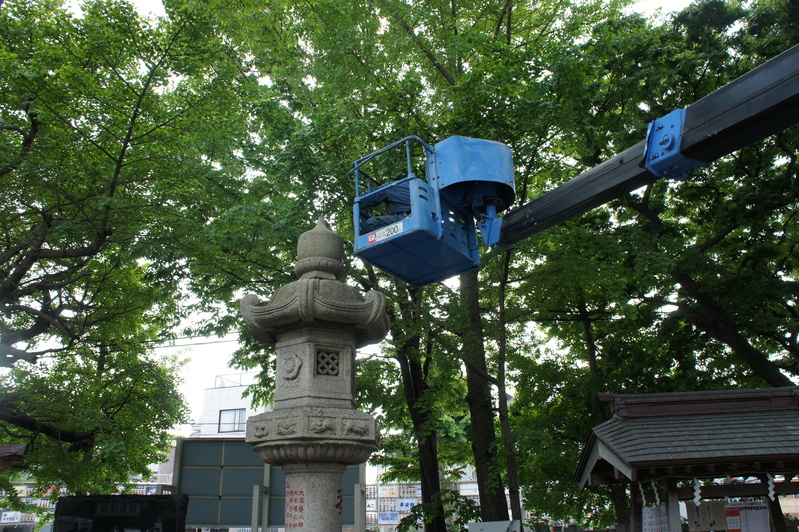浦安・豊受神社 神前燈籠改修工事  2012.5.30~31_e0223769_2012453.jpg