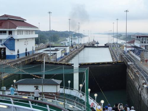 パナマ運河通航!_c0220170_929277.jpg