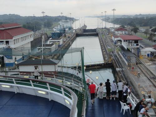 パナマ運河通航!_c0220170_9294320.jpg