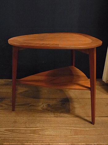side table_c0139773_16375323.jpg