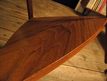 side table_c0139773_16392726.jpg