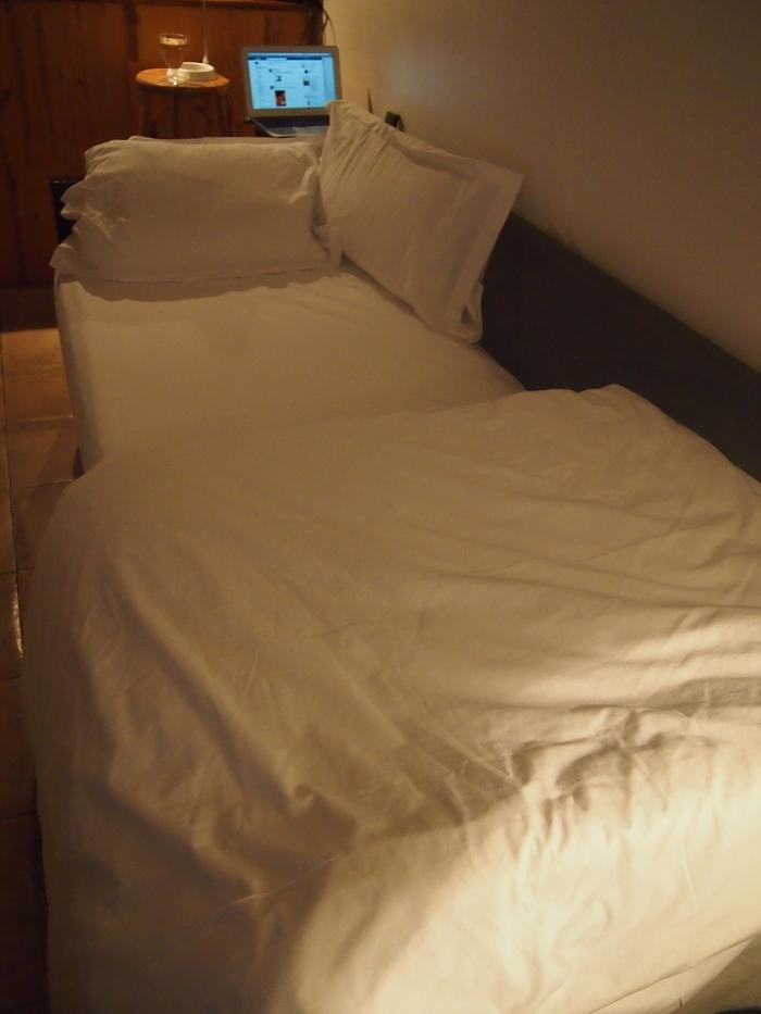 2012 2月 パリ  お宿にしたアパートはこんな感じでした_f0062122_833428.jpg