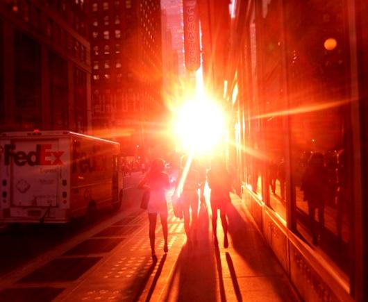 今年もニューヨークにマンハッタンヘンジが・・・、次回は7/11-12_b0007805_22224887.jpg
